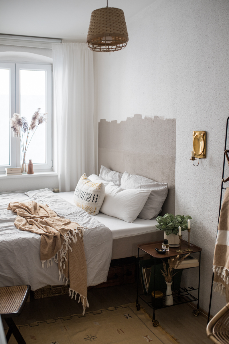 Schlafzimmer DIY Betthaupt streichen mit Toom Stiltalent (1 ...