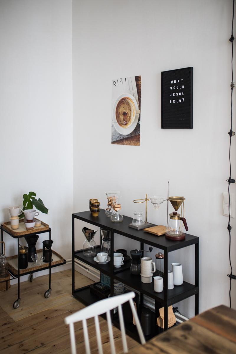 Eine Coffee Bar Fur Zuhause Mit Regalraum 1 Von 23