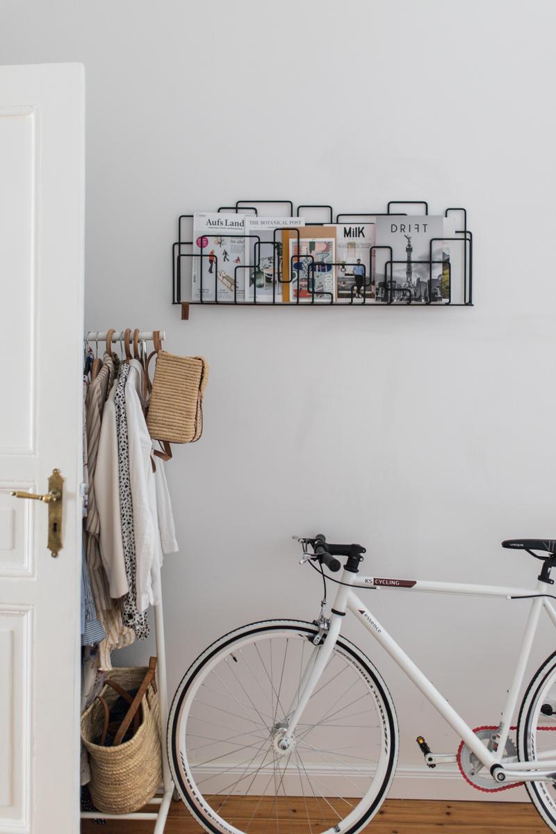 Fahrrad in der Wohnung Magazinhalter
