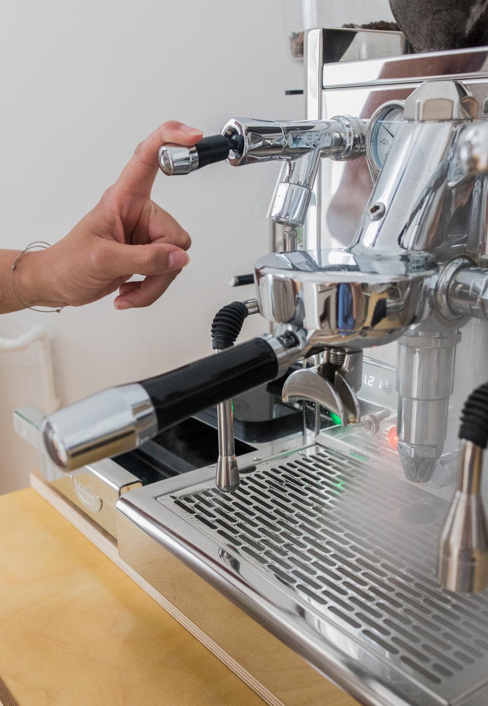 Dampen Milch aufschäumen Espressomaschine