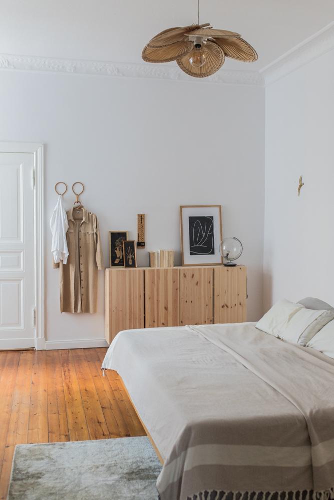 Ikea Ivar Hack und DIY Lampe im Schlafzimmer