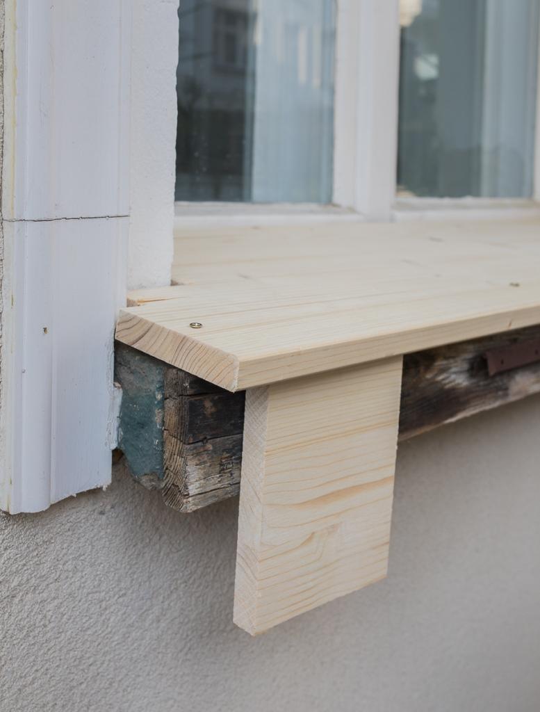 DIY Klapptisch für das Fensterbrett