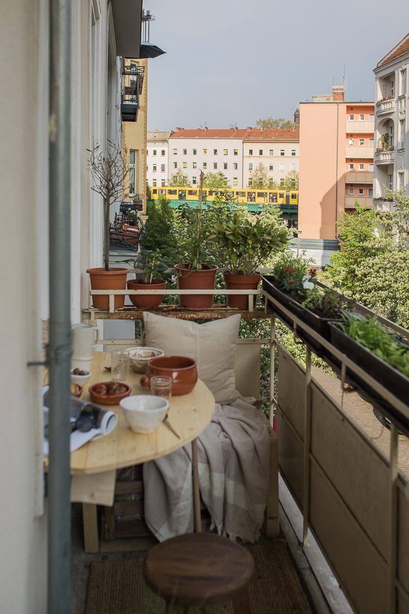 DIY Klapptisch für den schmalen Balkon